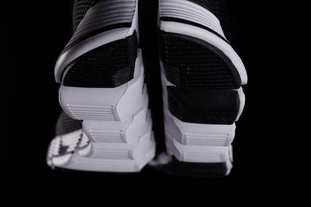 On 18SS Cloud Black White detail-shot 8